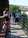 Jednou v roce patří železniční most lidem
