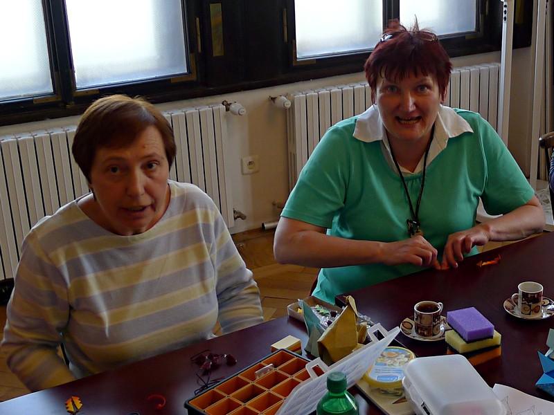 paní ředitelka Městského muzea si vyrobila vlastní šperky pod vedením Myrcely Buřilové