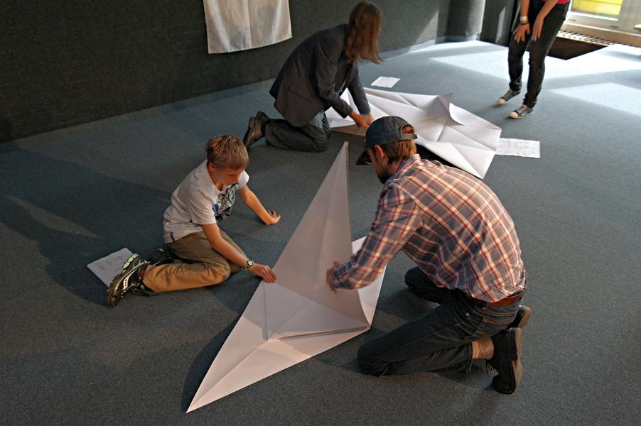Exhibice skládání velkého origami