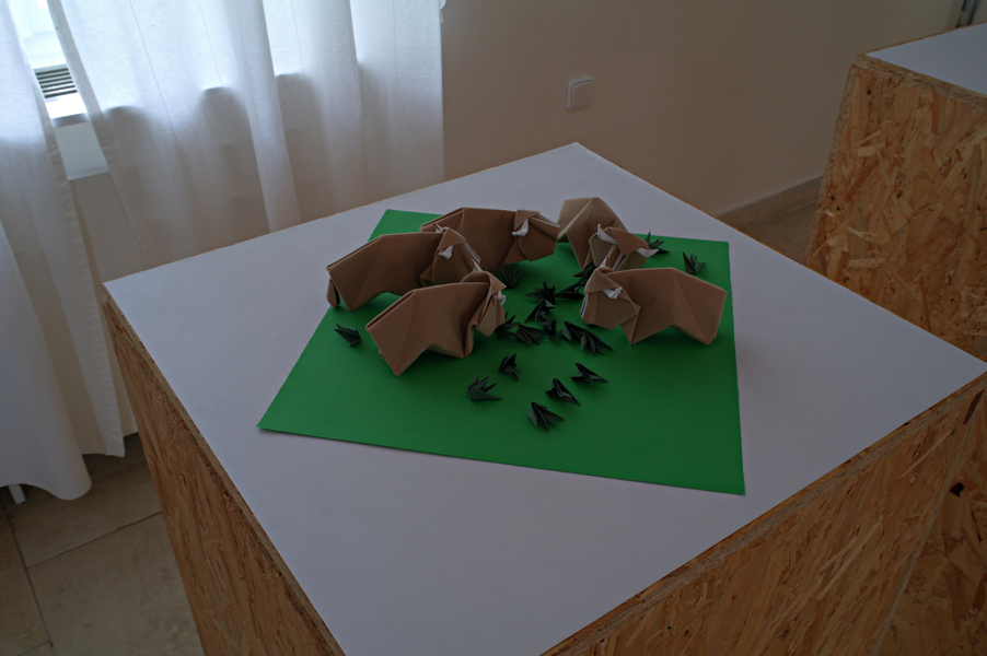 Kunihiko Kasahara: stádo bizonů, František Grebeníček: tráva, interpretace: Ondřej Cibulka