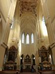 Santiniho katedrála uvnitř