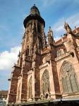 Dóm Panny Marie - románsko-gotická katedrála 127 m dlouhá