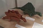 John Montroll: stegosaurus, dimetrodon
